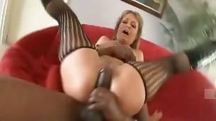 Slutty milf Kelli Leigh greatly enjoys deep penetration.