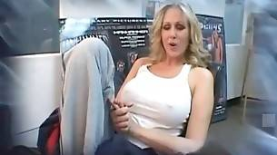 Have Fun With Lovely Milf Julia Ann 1