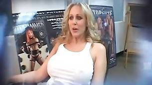 Have Fun With Lovely Milf Julia Ann 3